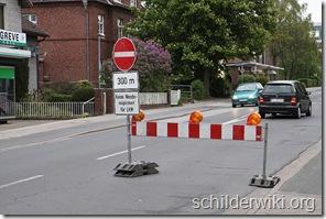 800px-Baustellen_Bundesstraße_431_Wedel_2010_80